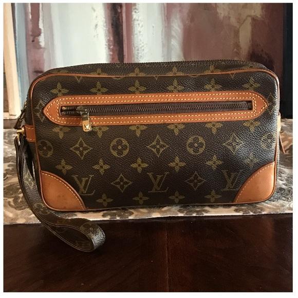 08b7d27e6 Louis Vuitton Handbags - Authentic Louis Vuitton Marly Dragonne Clutch